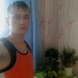 Молодой парень ищет девушку в Улан-Удэ для жарких свиданий